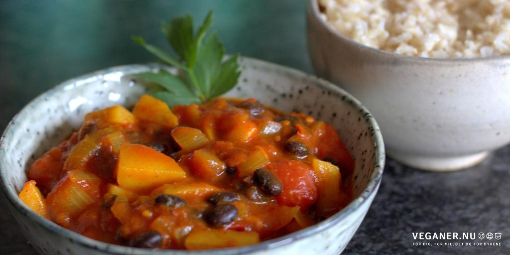 Hot & spicy-gryde med sorte bønner og kartofler