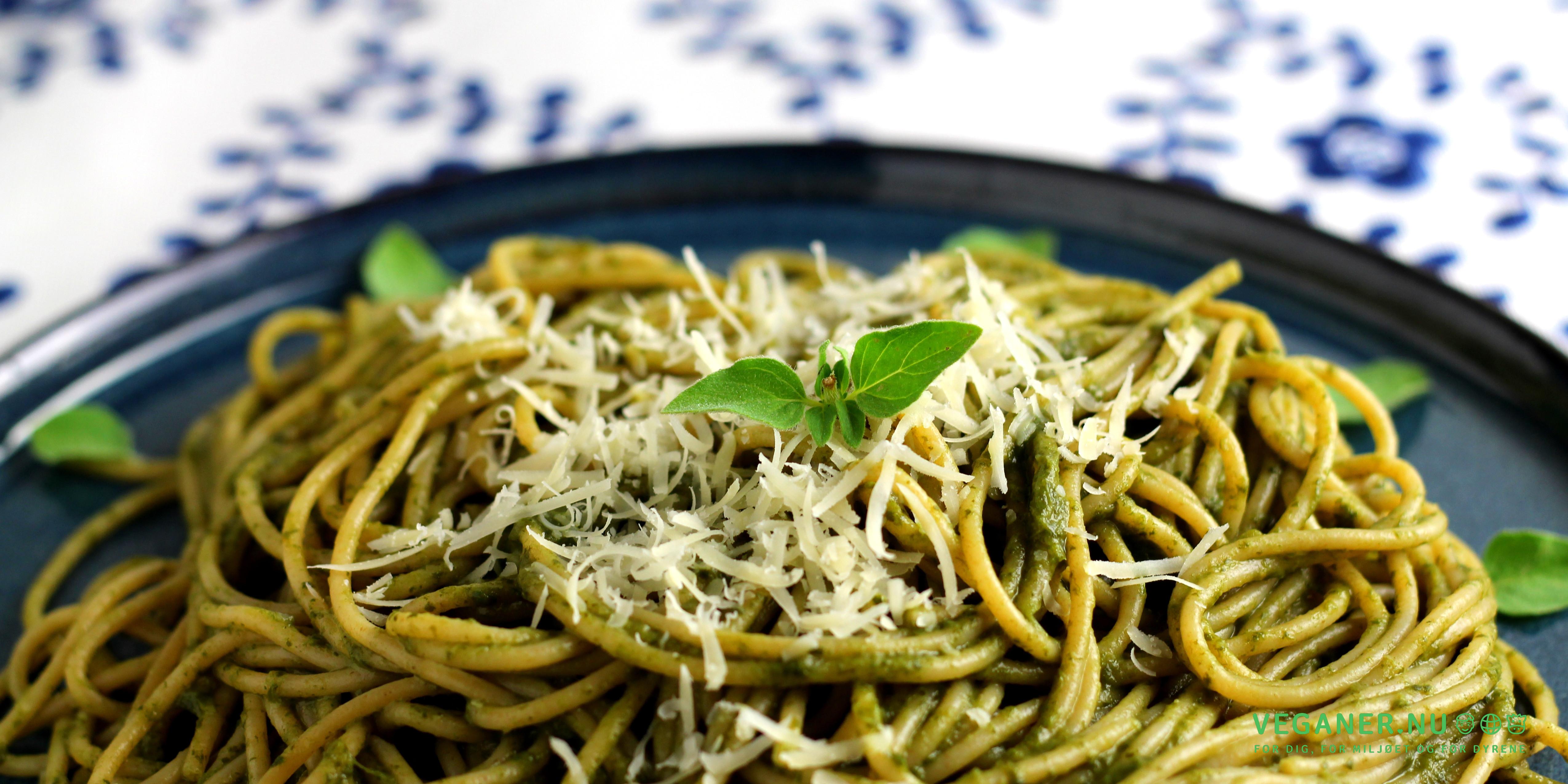 Spaghetti med grønkålssauce
