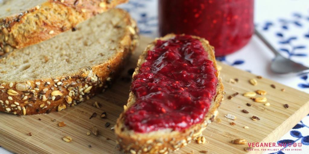 Hindbærmarmelade med lime og rabarber