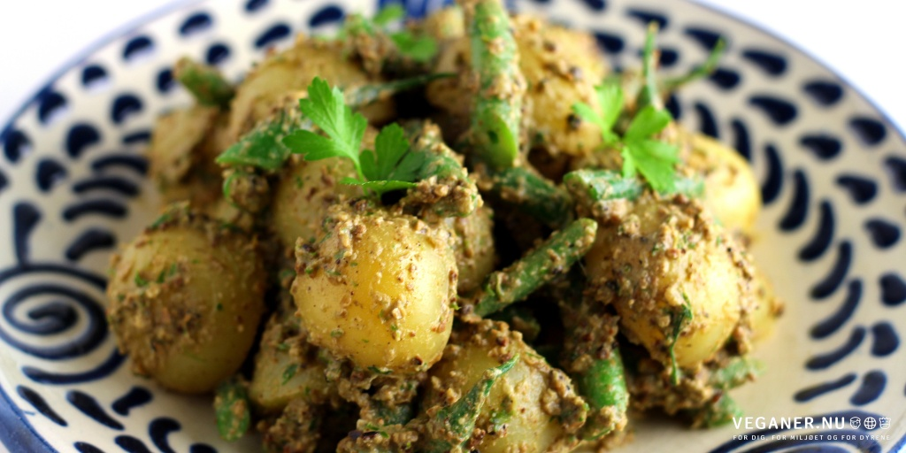 Kartoffelsalat med grønne bønner og solsikkepesto